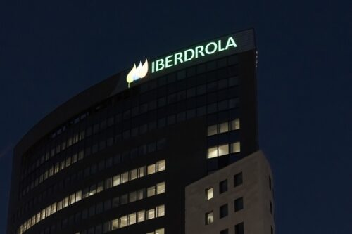 Juist de sterke aanwezigheid van Iberdrola in netwerkbeheer en groene energie maakt het tot koploper onder de nutsbedrijven.
